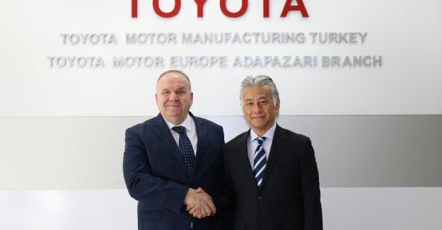 Toyota Otomotiv Sanayi Türkiye'de Devir Teslim