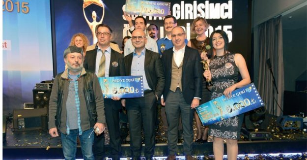 ÜÇ KADINA Sosyal Girişimcilik Ödülü