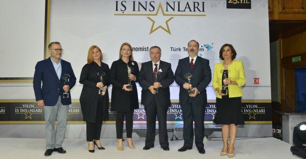 Ödüller Cansen Başaran Symes,Caroline Koç ve Banu Yentür'e