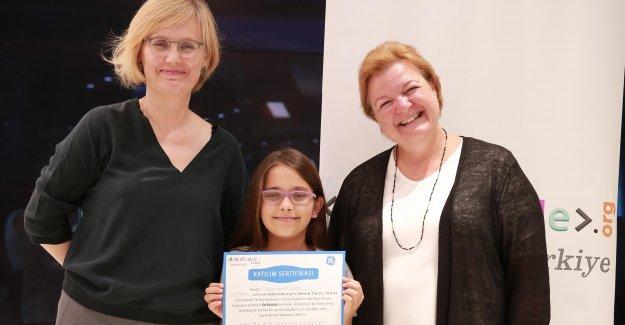 GE ve Robincode 100 kıza kodlama eğitimi verdi