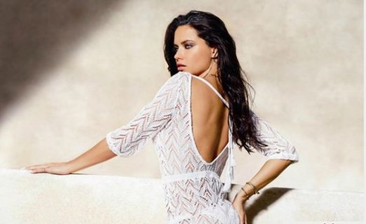 Adriana Lima'nın mayosu Yeşim Tekstil'den