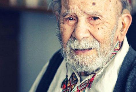 Ünlü yazar Vedat Türkali yaşama veda etti