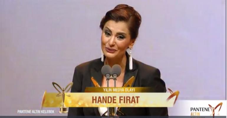 Hande Fırat, Altın Kelebek'te Yılın Medya Olayı Ödülünü kazandı