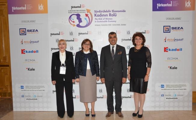 Kadın liderler TÜRKONFED zirvesinde kadın sorunlarını masaya yatırdı