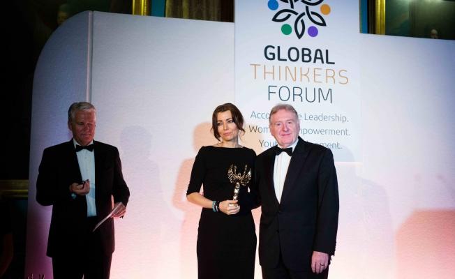 Küresel Düşünürler Forumu'ndan Elif Şafak'a Mükemmellik Ödülü