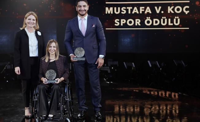 Mustafa Koç Spor Ödülü'nü Gizem Girişmen ve Taha Akgül kazandı
