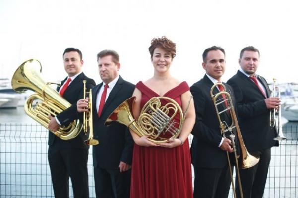 Kadın girişimci Begüm Gökmen Türkiye'nin ilk brass grubunu kurdu