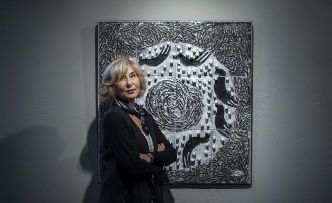 Ayşe Kulin, Füraya Koral sergisinde sanatseverlerle buluştu
