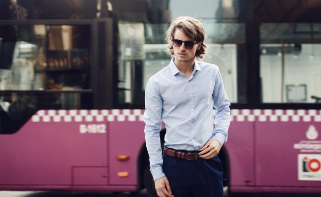 Ev işlerini eşlerine yüklemeyen erkeklere müjde; ütü istemeyen gömlek hayatınızı kolaylaştıracak