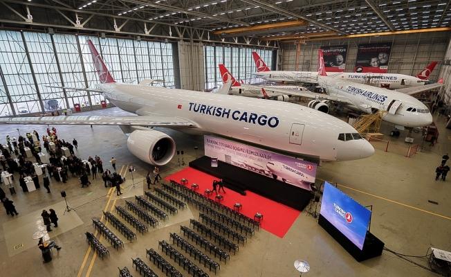 Boeing, 777 kargo uçağını törenle THY'ye teslim etti