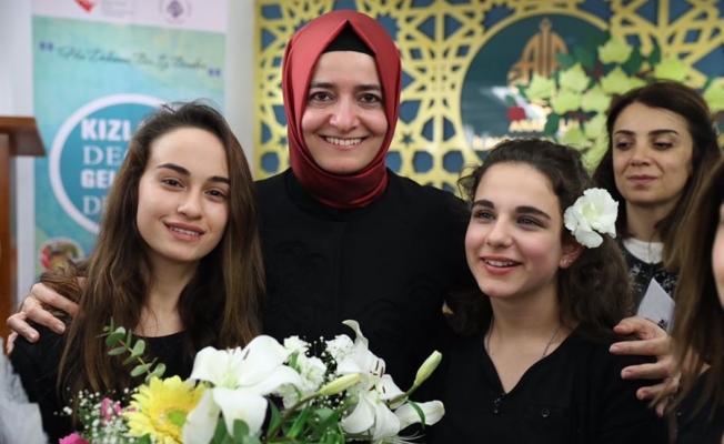 Fatma Betül Sayan Kaya;'Erken evlenen kızlarımızın oranı yüzde 4,6'ya düştü'