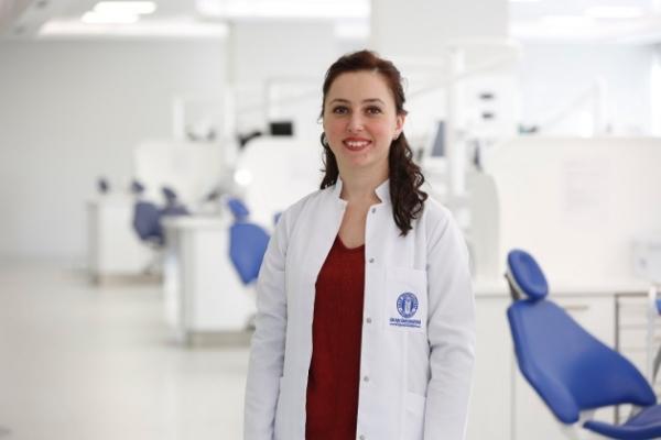 """Dr.Burçin Öztürk, """"Çocukların dişçi korkusunun ilacı müzik"""""""
