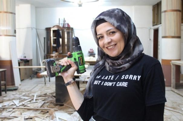 """Kadın girişimci Gülsüm Demir """"Dükkanımı kurarken ustalarla çalıştım, tırnaklarım kırıldı"""""""
