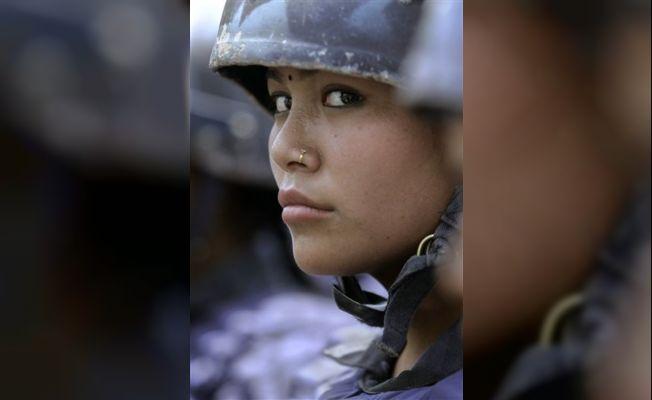 Nepal'in kadın askerleri, COVID kriziyle mücadele etmek için tabuları yıkıyor