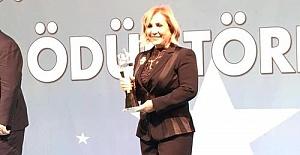 Yılın İş Kadını Ödülünü Nevin Akçelik Kazandı