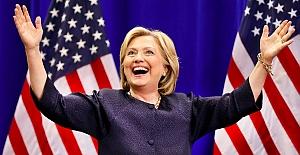 """Hillary Clinton'dan kadınlara:""""Ben ABD'nin ilk kadın başkanı olabilirim ama bir sonraki sizsiniz"""""""