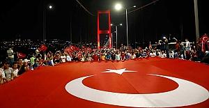 """Boğaziçi Köprüsü'nün adı artık """"15 Temmuz Şehitler Köprüsü"""""""