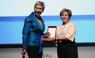 Başarılı iş kadını Leyla Alaton'a Tescilli Markalar'dan onur ödülü