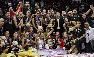 Eczacıbaşı kızları voleybolda ikinci kez dünya şampiyonu