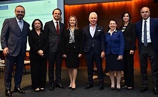"""Yüzde 30 Kulübü, YK'lara kadınların atanması için """"Gönüllü Davranış Kodu"""" başlattı"""