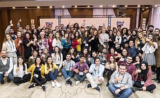 """Facebook, Türkiye'de öğrencilere """"Kontrol Bende"""" eğitimi veriyor"""