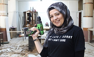 """Kadın girişimci Gülsüm Demir""""Dükkanımı kurarken ustalarla çalıştım, tırnaklarım kırıldı"""""""