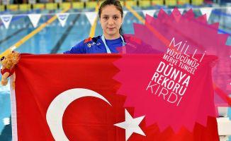Milli Yüzücümüz Merve Tuncel 1 Dünya 3 Türkiye Rekoru Kırdı