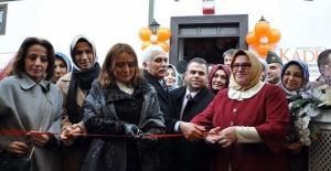 """Sümeyye Erdoğan """"Bizler kadın haklarını en başta insan hakları olarak görüyoruz"""""""