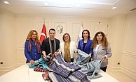 Modacı Bora Aksu, Gaziantep'in kutnu kumaşını, Londra Moda Haftası'nda tanıtacak