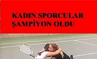 Kadın sporcular; Büşra Ün ve Ebru Bulgurcu, Litvanya'daki tekerlekli sandalye tenis turnuvasında şampiyon oldu