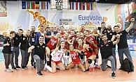 Kadın Voleybolcularımız Avrupa'da Bronz Madalya Kazandı