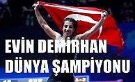 Milli Güreşçimiz Evin Demirhan, Polonya'da Dünya Şampiyonu oldu
