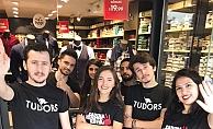 """Tudors Gömlek CEO'su Yaşar Ayaydın;""""Erkek markası olarak kadına şiddete dur diyoruz"""""""