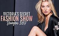 Victoria's Secret Melekleri Çin'de Fashion Show'da podyuma çıktı