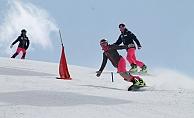 Uçak inince Eryices'te kayak yapmak mümkün