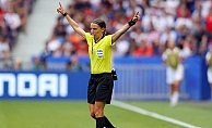 Tarihte bir ilk; İstanbul'daki Süper Kupa Finali'ni kadın hakem Stephanie Frappart yönetecek