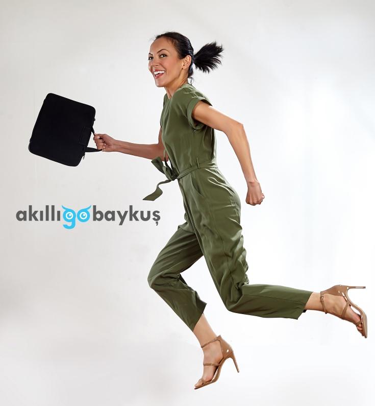 https://www.istekadinlar.com/images/upload/cevrem-campbell-is-kadini-kadin-girisimci-teknoloji-kendi-isini-kuran-kadinlar-is-kadini-roportaj-istekadinlar-.jpg