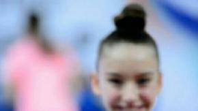 Ayşe Begüm Onbaşı jimnastik antremanı