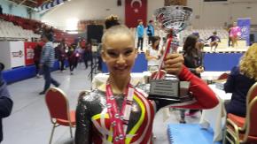 Ayşe Begüm Onbaşı Federasyon Kupası'nı kazandı