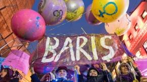 8 Mart Feminist Gece Yürüyüşü'nde binlerce kadın buluştu