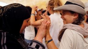 Filistinli ve İsrailli kadınlar barış için yürüdü